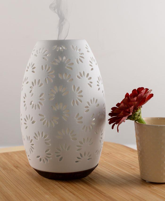 Daisy modern ceramic lifestyle